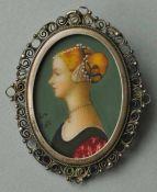 ANHÄNGER/BROSCHE ovales Damenportrait im Profil, farbige Miniaturmalerei nach Piero del