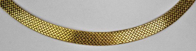 COLLIER gleichmässiges, kreisförmiges Band mit satiniertem Dekor, Steckverschluß mit