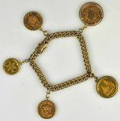 MÜNZ-ARMBAND Panzerarmband mit Steckverschluß, Gold 8ct, daran 5 Goldmünzen in Fassungen: 5 Pesos