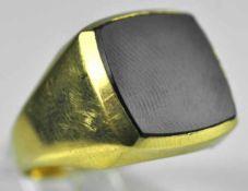 HERRENRING viereckige polierte Onyxplatte in Gelbgoldfassung 14ct, 4,48g, Gr. 60