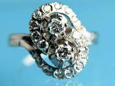 Ring mit 20 Brillanten, zusammen ca. 0,95 ct, 50-er Jahre. 585/- Weißgold. Gesamtgewicht ca. 7,9