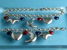 Collier und Armband mit Anhängern z.T. emailliert, Italien, 21. Jh. 925/- Silber. Gesamtgewicht