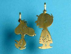 Zwei Anhänger in Form von Snoopy und Charlie Brown, Goldschmiedearbeit, 21. Jh. 750/- Gelbgold.