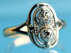 Ring mit 2 Altschliff- und 2 Diamantrosen, zusammen ca. 0,3 ct, Art Déco. 585/- Weiß- und