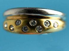 Ring mit 8 Brillanten, zusammen ca. 0,25 ct, 90- er Jahre 585/- Weiß- und Gelbgold. Gesamtgewicht
