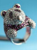 Ring mit roten und farblosen Farbsteinen, 21. Jh. Silber. Gesamtgewicht ca. 18,4 g. Ringkopf in