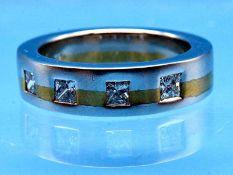 Bandring mit 4 Diamant-Carrees, zusammen 0,76 ct, Goldschmiedearbeit, 90- er Jahre 750/- Gelb- und