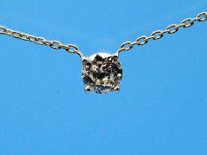 Feines Collier mit Solitäranhänger ca. 0,45 ct Altschliff-Diamant, 21. Jh. 750/- Gelbgold. Feine