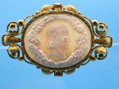 Kamee-Brosche, 19. Jh. 585/- Gelbgold (Säure getestet). Gesamtgewicht ca. 11,6 g. Queroval