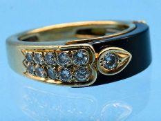 Ring mit Onyx und 11 Brillanten, zusammen ca. 0,25 ct, 90- er Jahre 585/- Gelbgold. Gesamtgewicht
