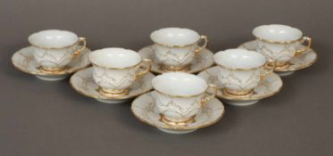 6 MEISSEN Mokkatassen (mit Untertassen)¨B-Form¨, Weißporzellan mit Goldstaffage, 2. Hälfte 20.