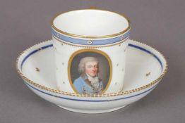 wohl WIEN Porträttasse mit Untertasseum 1820, zylindrische Form, ovale Reserve mit Porträt eines
