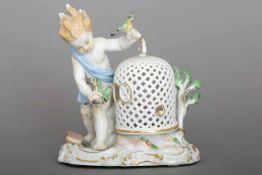 MEISSEN Porzellanfigur ¨Allegorie auf die Luft¨ aus der Serie ¨Die vier Elemente¨Entwurf J. J.