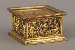 Sandstreuer des 16. JahrhundertsBronze, vergoldet, Süddeutsch (wohl Nürnberg), eckiges Gefäß mit