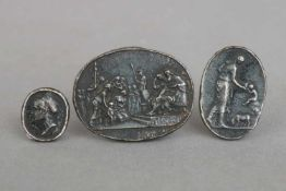 3 Eisengüsse (Medaillen/Reliefs)alle geschwärzt/dunkel patiniert, Berlin, spätes 18. Jhdt., 1x ¨