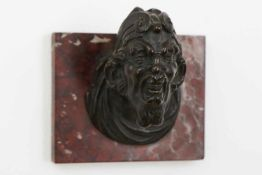Bronzefigur/Türknauf ¨Satyrkopf¨dunkel patiniert, Venedig, spätes 16. Jhdt., nachträglich auf eckige