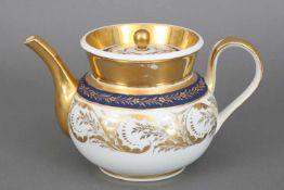KPM BERLIN Teekanneum 1800, ¨Empire¨-Form, bauchiger Korpus mit Ohrengriff und geschwungenem