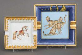 2 PORCELAIN DE PARIS Zigarrenascher1x Gepardendekor mit blauem Rand (bezeichnet ¨Chasses