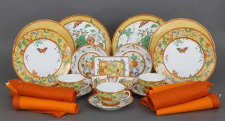 Konvolut HERMÈS ¨Siesta¨ Porzellan bestehend aus 2 Platztellern, 2 gr. Speisetellern, 2 kl.