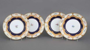 4 MEISSEN Kuchenteller B-Form, Prunkdekor, Ätzgoldstaffage und kobaltblauer Fond,