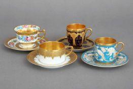 4 ROSENTHAL Sammeltassen der 1920er Jahrediverse Formen und Dekore, Goldstaffage