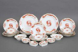Konvolut MEISSEN PorzellanDekor ¨Reicher (roter) Hofdrache¨, bestehend aus 4 Kuchentellern (D 21,