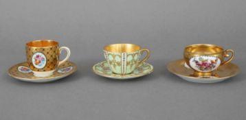 3 Mokkatassen des frühen 20. JahrhundertsRoyal Doulton, Württembergische Porzellanmanufaktur