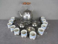 Teeservice Zinn und Porzellan unterseits gemarkt Zinn H+S Porzellan Weidmann- - -20.00 % buyer's