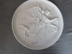 Wandrelief Porzellan oder Keramik unleserlich gemarkt Schutzengel 26cm Durchmesser- - -20.00 %