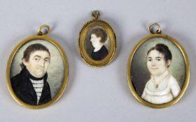 XellerDamen- und Herrenportrait. 2 Miniaturmalereien. Sign. und dat. 1803. 6,5 x 5 cm. DABEI: