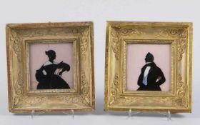 Deutsch, 19. Jh.Brustbilder eines Ehepaares. 2 Hinterglasbilder. Bis 9 x 8,5 cm. 1 gebrochen.- - -