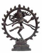 """Shiva-Figur """"Shiva Nataraja in geflammter Aureole auf einem liegenden Dämonen tanzend"""",Nepal 20."""