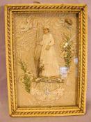 Kommunionsdarstellung im Rahmen (Bein), gesticktes Innenleben, ca. 18 x 13 cm