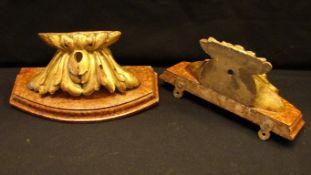 Paar Wandapliken, Holz, gold gefasst, ca. 11 cm- - -22.00 % buyer's premium on the hammer price19.00