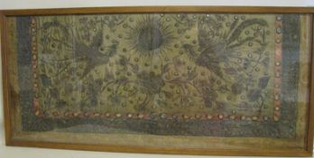 Antike Stickerei, China, 19. Jahrhundert, Fragment, 92 x 40 cm, verglaster Rahmen. - - -19.00 %