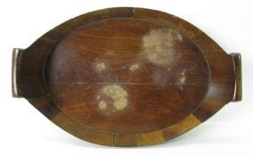 Tablett mit Henkeln, England, 19. Jahrhundert, Mahagoni mit Messingbändern, 8,5 x 36,5 x 23