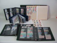 Konvolut von 5 Mappen mit Briefmarken und Postkarten.- - -19.00 % buyer's premium on the hammer