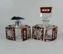 Flakon und Parfümzerstäuber, Böhmen, 30er Jahrefarbloses Kristallglas, allseitig reich beschliffener
