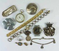 13 Teile Silber- , Modeschmuck und 3 Uhrentlw.defekt; u.a. kleiner Anhänger, 835er Ag, Taschenuhr (