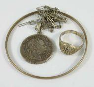 Konvolut Silberschmuck, überw.835er AgGew.30,89g; Kette mit Münzanhänger, L.70cm, Armreif, D.7cm,
