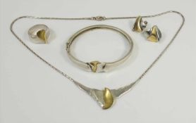 Schmuck-Set, 925 Silber / tlw.vergoldet, ungedeutete Punze, Gesamt-Gew.18,48g, mattiert; Collier,
