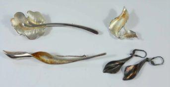 3 Blattbroschen und ein Paar Ohrhänger, 925er Silber, Gesamt-Gew.28,04g; Glanz- und Mattsilber,