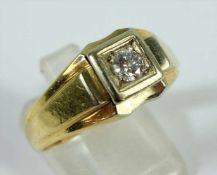Brillant-Ring, 750er Gold, Gew.6,36g, Brill., ca.0,20ct, eckiger Ringkopf in breiter werdender
