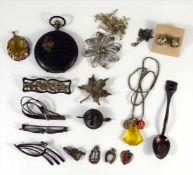 Konvolut überwiegend Silberschmuck, Gew.ca.60g: 4 Broschen, 835er Ag; 1 Brosche, 800er Ag; 3