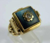 Ring mit Uhr, Doublé / 333er Gelbgold, Kollmar&Jourdan, Pforzheim, Gew.10,41g, scharnierter