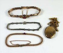3 Armbänder und ein Medaillon an Kette, Modeschmuck, Jugendstil um 1900, überwiegend Doublé,