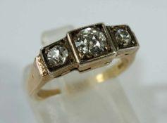Altschliff-Brillant-Ring, 585er Rosé- und Weißgold, Gew.3,57g, 3 Altschliff-Brill., total ca.0,69ct,