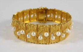 Armband mit 35 Perlen, 585er Gold, Gew.45,87g, Glieder mit mattierter, bewegter Oberfläche und