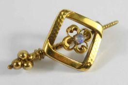 Brosche mit Opal, Jugendstil, Doublé, L.3,8cm- - -18.00 % buyer's premium on the hammer price19.00 %