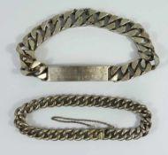 2 silberne Armbänder, Gesamt-Gew.66,46g; 1* personifiziertes Panzerarmband mit Namensgravur, L.22cm,